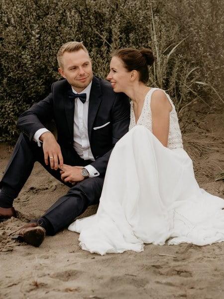Ania & Jarek – sesja ślubna na Pustyni Błędowskiej